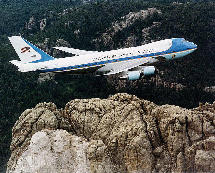Air Force One over Mt. Rushmore. Wikimedia Creative Commons.